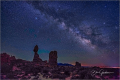 DSC4583-Balanced-Rock-Milky-Way-1-web